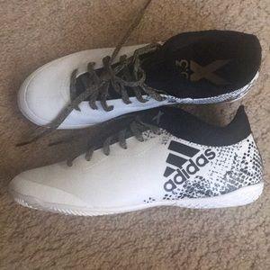 Teen Adidas Soccer Indoor Shoes size 7.5